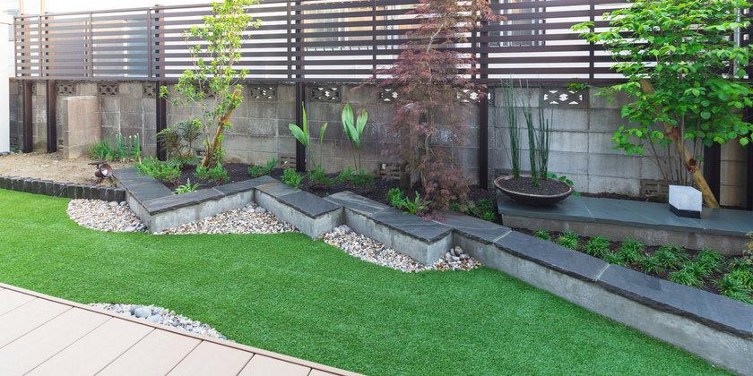 裏庭を有効活用したモダンな庭